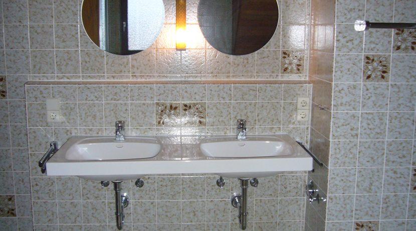 R8-0031-Badezimmer (3)